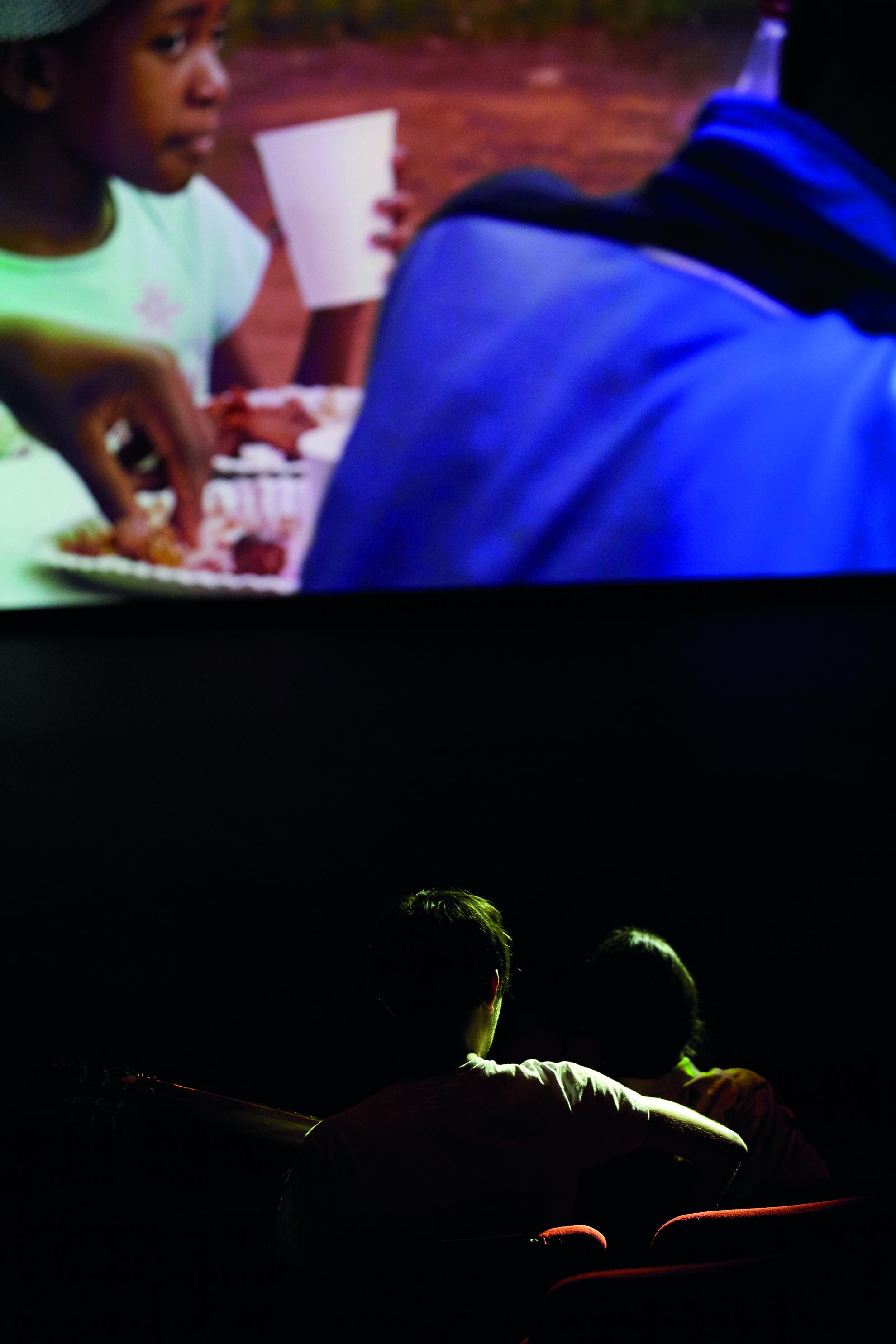 O AGORA QUE DEMORALE PRESENT QUI DEBORDENOTRE ODYSSEE II Direction, realisation and dramaturgy Christiane JATAHY artistic collaboration, scenography and light Thomas WALGRAVE collaboration Henrique MARIANO photography Paulo CAMACHO sound Alex FOSTIER music Vitor ARAÚJO and Domenico LANCELLOTTI with Abbas Abdulelah AL SHUKRA Faisal Abu ALHAYJAA Omar Al SBAAI Maroine AMIMI Vitor Araujo, BEPKAPOY Emilie FRANCO Rami HUSSAINI Iketi KAYAPO Iirengri KAYAPO Ojo KAYAPO Kroti Yara KTAISHE Melina MARTIN MbBali Jovial MBENGA Nadege MEDEN Memory MOYO Jehad OBEID Ranin ODEH Pykatire Leon David SALAZAR Frank SITHOLE Nhlanhla SKHOSANA Ivan TIRTIAUX Ahmed TOBASI O AGORA QUE DEMORALE PRESENT QUI DEBORDENOTRE ODYSSEE II Mise en scene, realisation et dramaturgie Christiane JATAHY collaboration artistique, scenographie et lumiere Thomas WALGRAVE collaboration Henrique MARIANO photographie Paulo CAMACHO son Alex FOSTIER musique Vitor ARAÚJO et Domenico LANCELLOTTI avec Abbas Abdulelah AL SHUKRA Faisal Abu ALHAYJAA Omar Al SBAAI Maroine AMIMI Vitor Araujo, BEPKAPOY Emilie FRANCO Rami HUSSAINI Iketi KAYAPO Iirengri KAYAPO Ojo KAYAPO Kroti Yara KTAISHE Melina MARTIN MbBali Jovial MBENGA Nadege MEDEN Memory MOYO Jehad OBEID Ranin ODEH Pykatire Leon David SALAZAR Frank SITHOLE Nhlanhla SKHOSANA Ivan TIRTIAUX Ahmed TOBASI